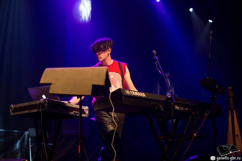 16 фото к материалу A Night of Winter with Patrick Wolf