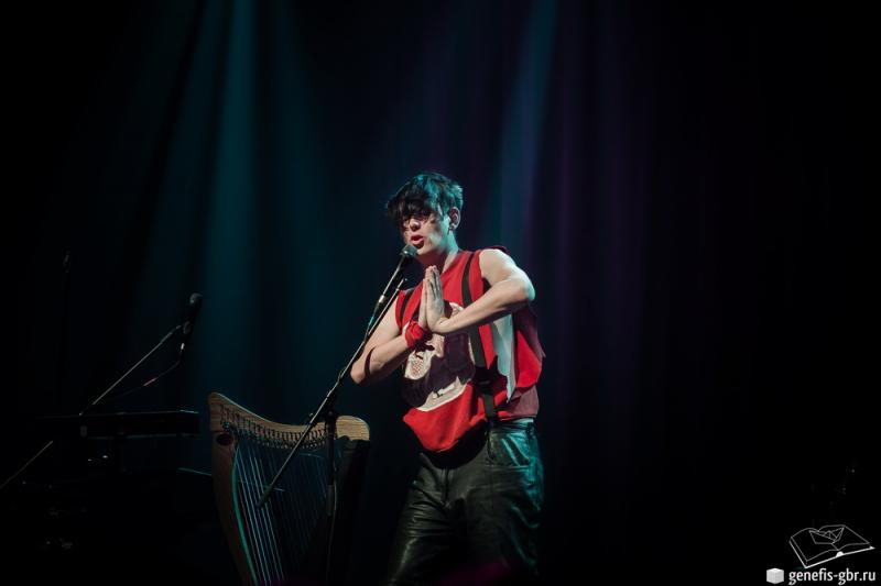 34 фото к материалу A Night of Winter with Patrick Wolf