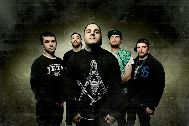 0 фото к материалу EMMURE и BORN OF OSIRIS на одной сцене