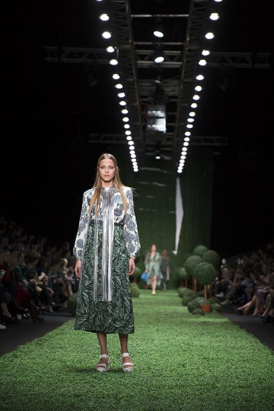 63 фото к материалу MERCEDES-BENZ FASHION WEEK RUSSIA 2015 стартовал
