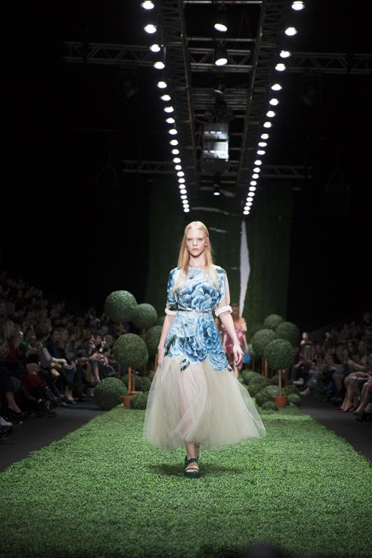65 фото к материалу MERCEDES-BENZ FASHION WEEK RUSSIA 2015 стартовал