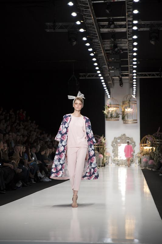 77 фото к материалу MERCEDES-BENZ FASHION WEEK RUSSIA 2015 стартовал