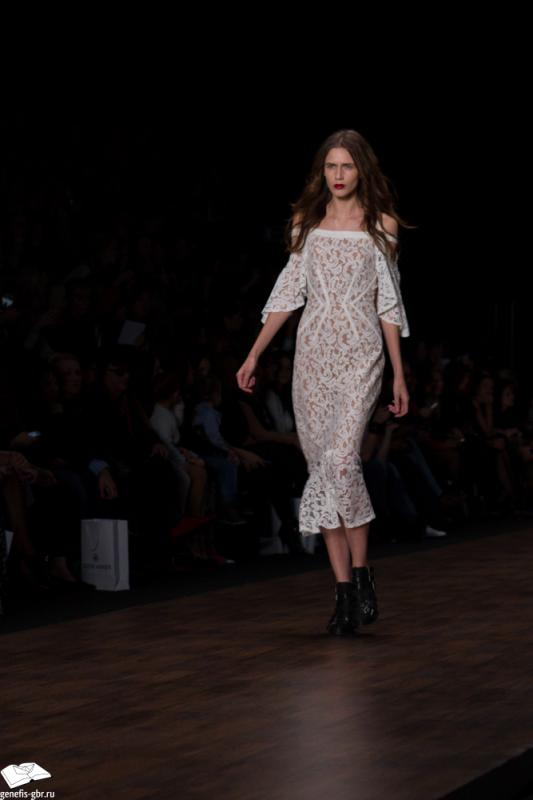 20 фото к материалу Mercedes-Benz Fashion Week - день 2