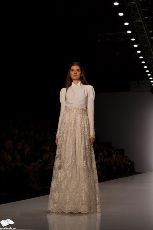 66 фото к материалу Mercedes-Benz Fashion Week - день 2
