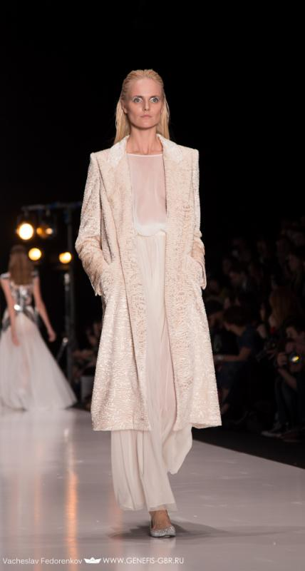 26 фото к материалу Mercedes-Benz Fashion Week 2014 - Первый день