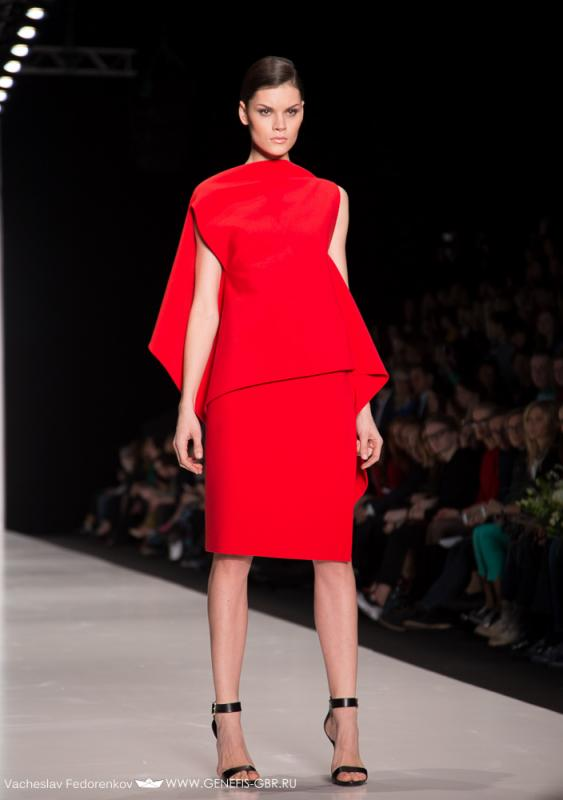 32 фото к материалу Mercedes-Benz Fashion Week 2014 - Первый день