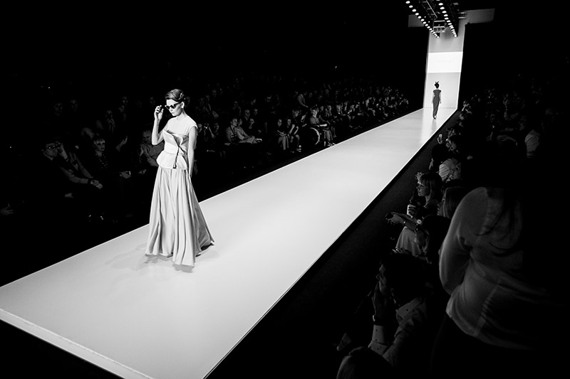 3 фото к материалу Mercedes-Benz Fashion Week - весна 2014