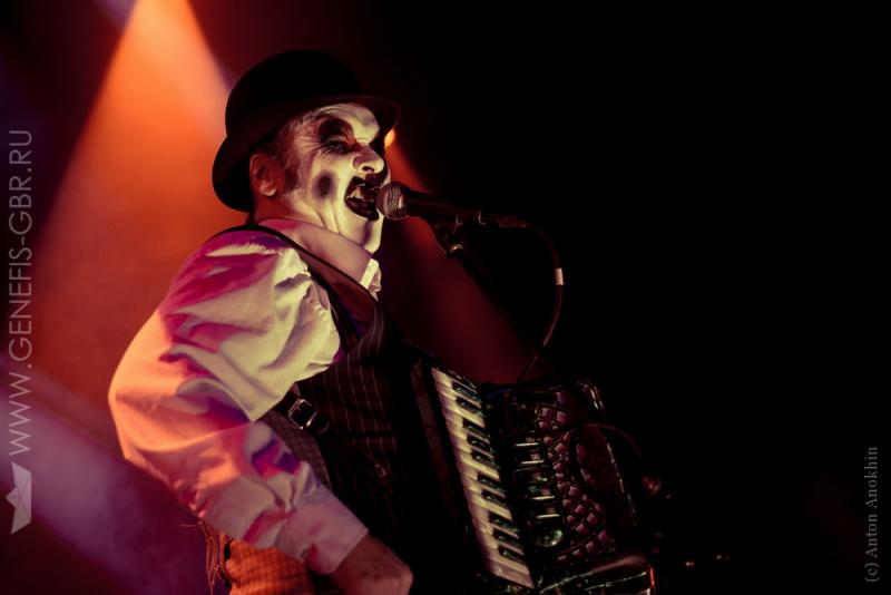 0 фото к материалу The Tiger Lillies в Космонавте