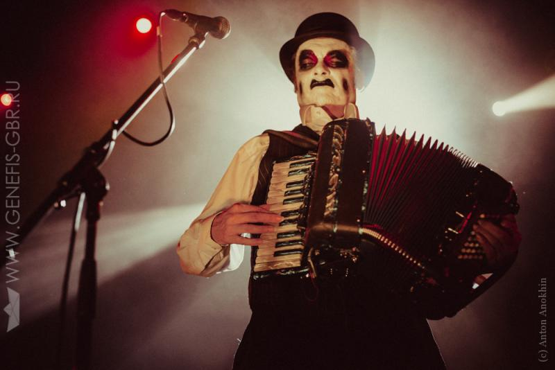 16 фото к материалу The Tiger Lillies в Космонавте