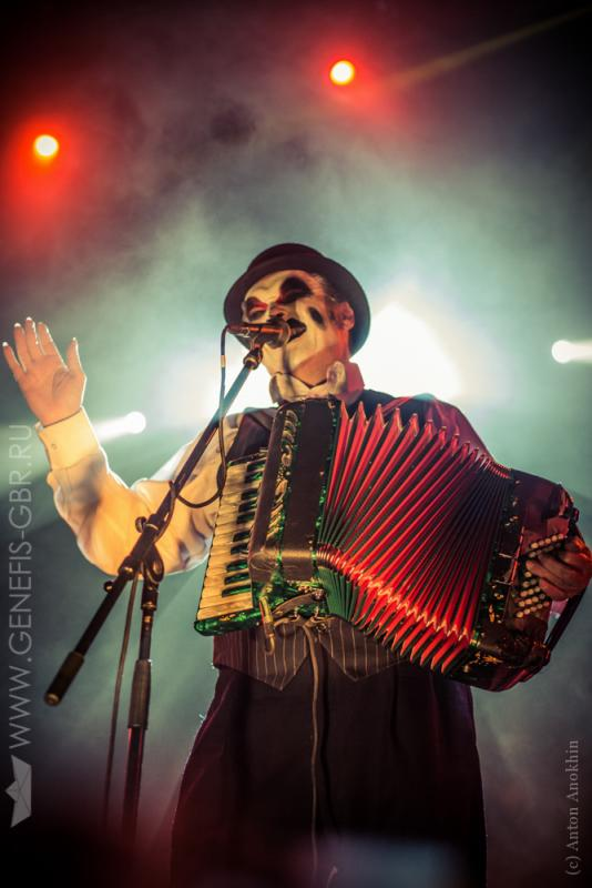 20 фото к материалу The Tiger Lillies в Космонавте