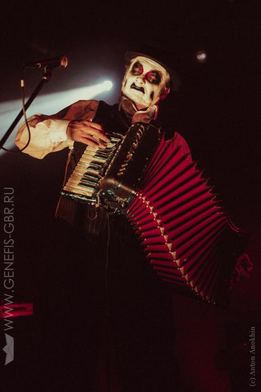 21 фото к материалу The Tiger Lillies в Космонавте