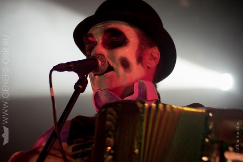 23 фото к материалу The Tiger Lillies в Космонавте