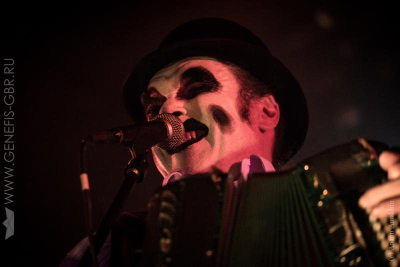 24 фото к материалу The Tiger Lillies в Космонавте