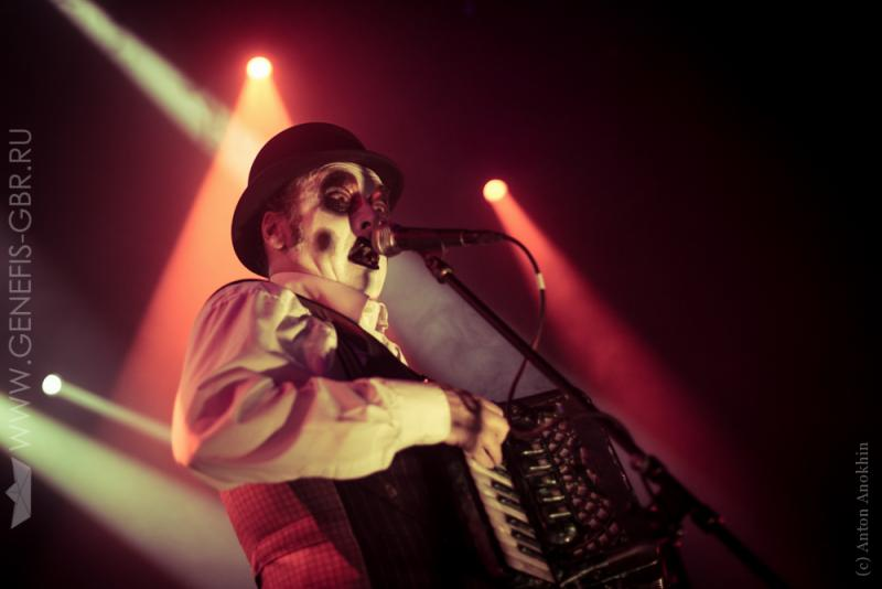 9 фото к материалу The Tiger Lillies в Космонавте
